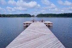 美好的栈桥和夏天风景 免版税图库摄影