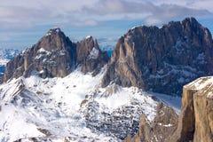美好的横向山冬天 库存照片