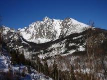 美好的横向山日出冬天 免版税库存图片