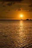 美好的橙色夏威夷日落 免版税库存照片