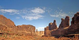 美好的沙漠形成使岩石环境美化 库存图片