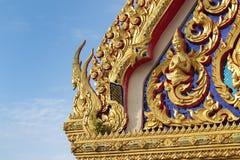 美好的泰国建筑学和问候 免版税库存图片