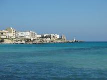 美好的海岸线的看法在奥特朗托,南意大利 免版税库存照片