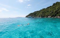 美好的海视图,在Similan海岛的净水在泰国 免版税库存照片