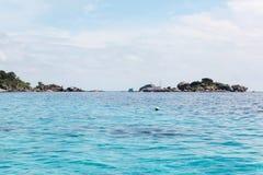 美好的海视图,在Similan海岛的净水在泰国 库存照片
