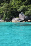 美好的海视图,在Similan海岛的净水在泰国 免版税库存图片