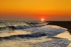 美好的海运日落 背景峡湾光芒海运星期日 旅行 图库摄影