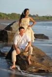 美好的海滩婚姻。 免版税库存照片