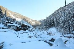 美好的湖和moutain在冬天 图库摄影