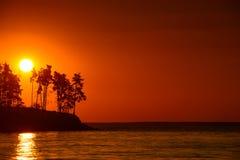 美好的湖日落 免版税图库摄影