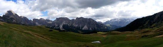 美好的白云岩山风景全景在南蒂罗尔 免版税库存图片
