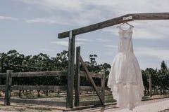 美好的礼服婚礼 免版税库存图片