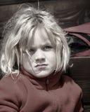 美好的秀丽注视女孩构成自然纵向 免版税图库摄影