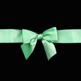 美好的绿色丝带礼品弓 免版税库存照片