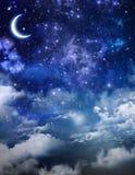 美好的背景,每夜的天空 免版税库存图片