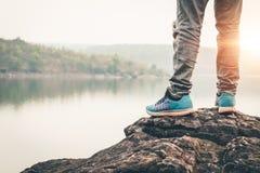 美好的自然的人游人在平静的场面 免版税库存图片