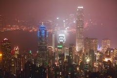 美好的超级广角香港海岛地平线,维多利亚港湾港口夏天鸟瞰图,有摩天大楼的,蓝天 库存图片
