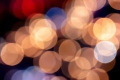 美好的软的迷离和五颜六色的Bokeh背景从交通l 免版税图库摄影