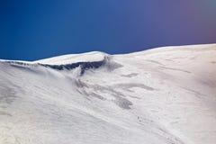 美好的阿尔卑斯冬天全景鸟瞰图 库存照片