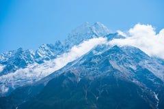 美好的雪污蔑山风景,迁徙的路线到 免版税图库摄影