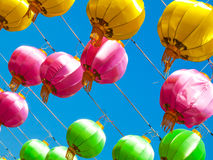 美好的颜色中国灯笼在愉快的中国年 库存照片
