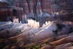 美好的风景在与壮观的石forma的Bryce峡谷 免版税库存照片