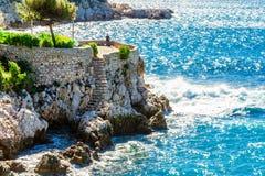 美好的风景看法与地中海豪华旅游胜地的 免版税库存照片