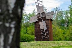 美好的风车风景在波兰 库存图片
