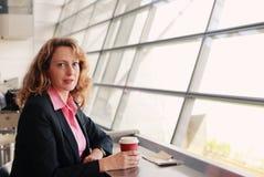 美好的35岁妇女 免版税库存图片