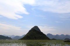 美好的lakeview在puzhehei县,云南,瓷 库存照片