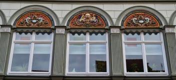美好的Windows在Muehlhausen,德国 免版税库存图片