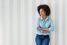 美好非洲裔美国人妇女微笑 免版税库存照片