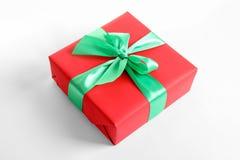 美妙地被包裹的礼物盒 免版税图库摄影