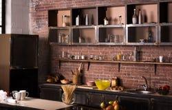 美妙的厨房的内部 库存照片