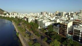 美妙的城市 美妙的地方在世界上 伊帕内马盐水湖和邻里在里约热内卢,巴西 股票录像