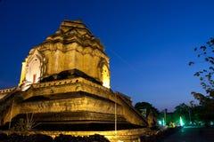 美妙的塔Wat Chedi Luang寺庙 免版税库存图片