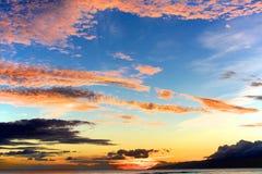 美妙的日落夏威夷大海岛 免版税库存图片