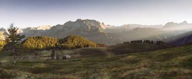 美妙的晚上在阿尔卑斯 免版税库存图片