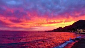 美妙的桃红色日落在埃拉特 图库摄影