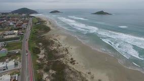 美妙的海滩,海滩维拉在Imbituba,圣卡塔琳娜州,巴西 股票录像