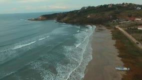 美妙的海滩,海滩维拉在Imbituba,圣卡塔琳娜州,巴西 股票视频