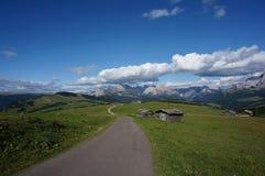 美妙的田园诗全景阿尔卑斯和山在白云岩/alp de siusi/南部蒂罗尔 库存照片