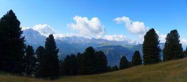 美妙的白云岩山风景 图库摄影