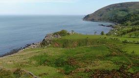 美妙的Murlough海湾在北部爱尔兰-鸟瞰图 股票录像