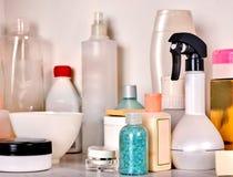 美容品化妆用品包裹在化妆瓶的 库存图片