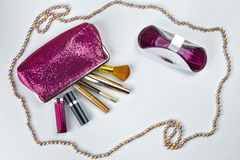 美容师和化妆用品 免版税库存照片