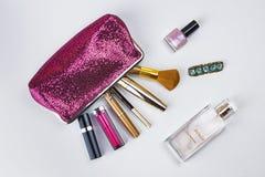 美容师和化妆用品 免版税库存图片