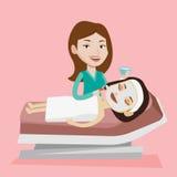美容院的妇女在整容术做法期间 向量例证
