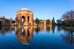 美术宫殿在旧金山 库存图片