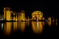 美术旧金山宫殿在晚上 库存照片